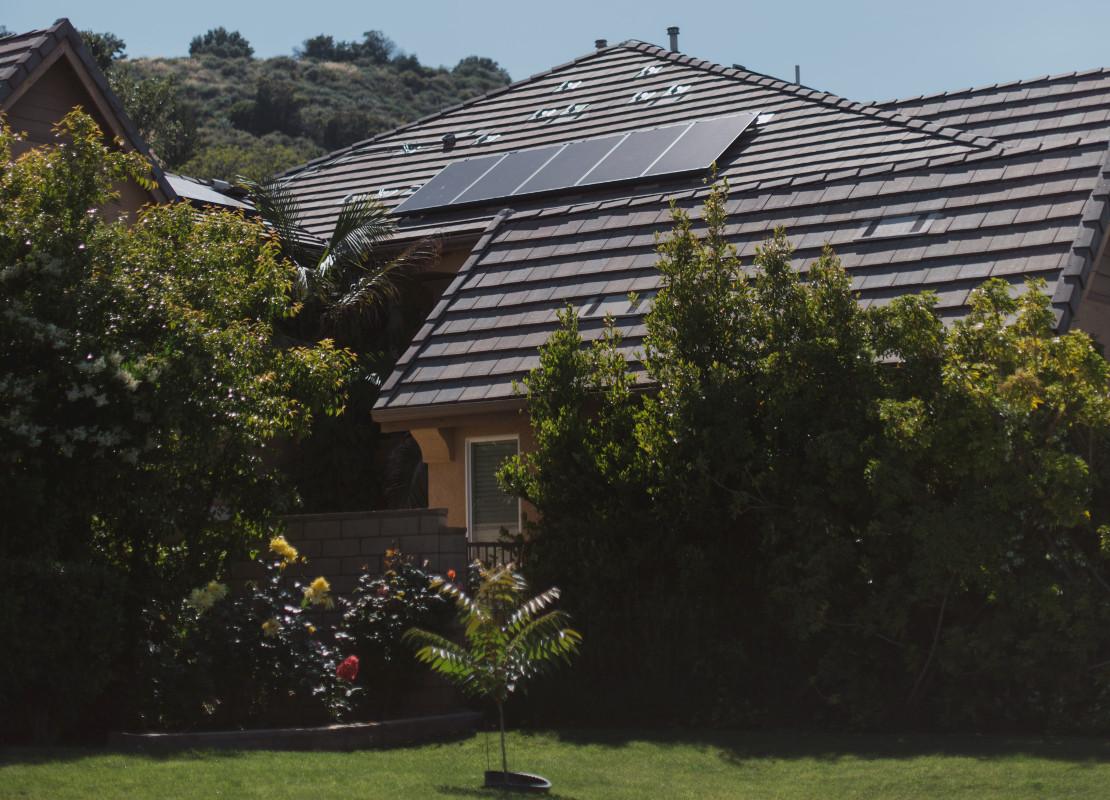 Isolatie en zonnepanelen hebben positief effect op verkoopprijs van uw woning